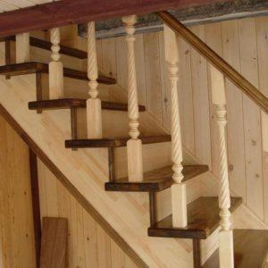 Прямая деревянная лестница из сосны, ДЛС-002