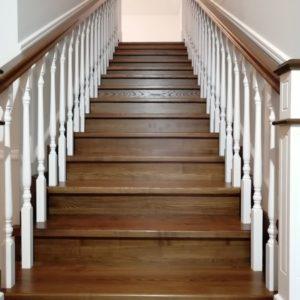 Прямая деревянная лестница из ясеня, ДЛС-004