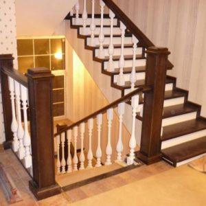 П-образная деревянная лестница из дуба, ДЛС-021