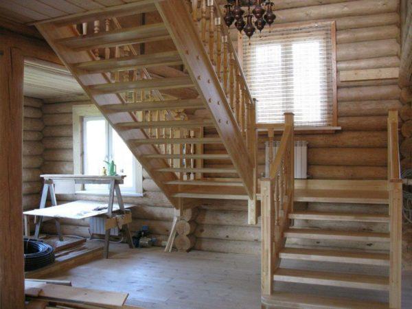 П-образная деревянная лестница из березы, ДЛС-024