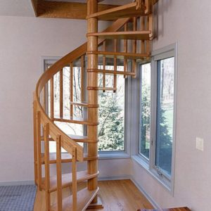 Винтовая деревянная лестница из ясеня, ДЛС-031
