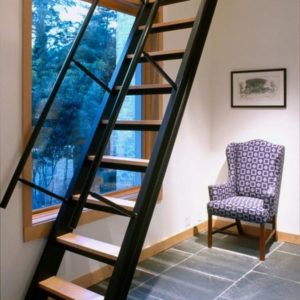 Чердачная деревянная лестница с металлом, ДЛС-043