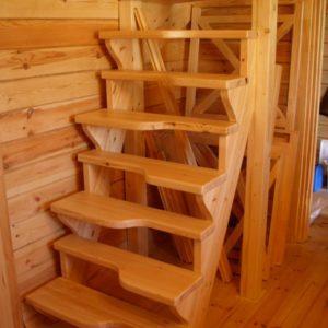 Лестница утиный шаг деревянная из лиственницы, ДЛС-068