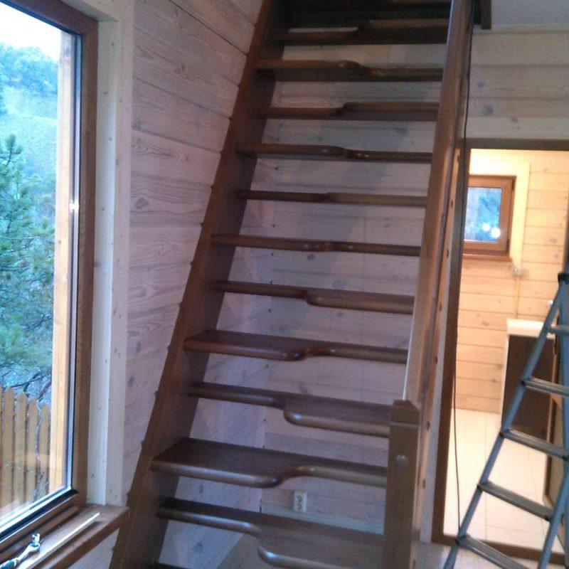 Лестница утиный шаг деревянная из березы, ДЛС-069