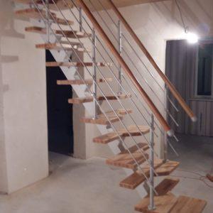 Лестница утиный шаг деревянная с металлом, ДЛС-070