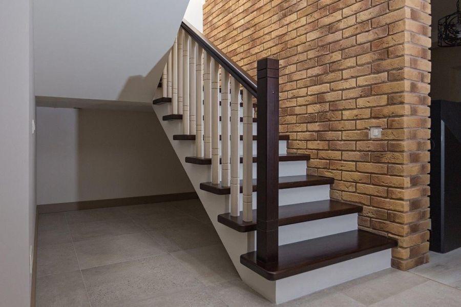 бетонная лестница обшитая деревом